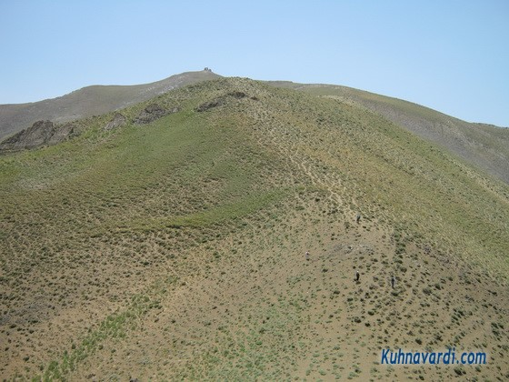 گردنه به سمت قله