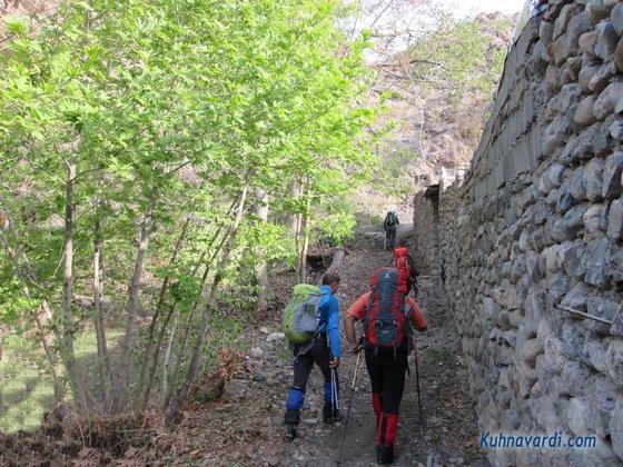 روستای آغشت - مسیر قله مرد نوراز