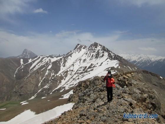 قله های سرخاب و آزادکوه از روی قله دونا