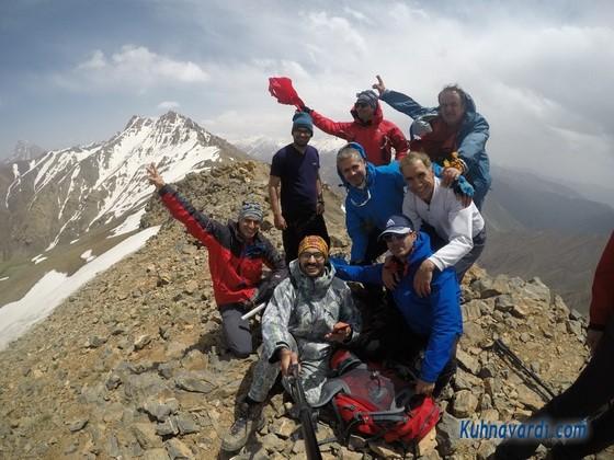 گروه نشاط زندگی - قله دونا