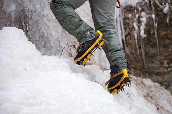 کرامپون کوهنوردی (یخ شکن)