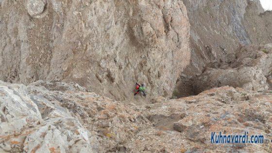 دست به سنگ خطرناک در مسیر فرود