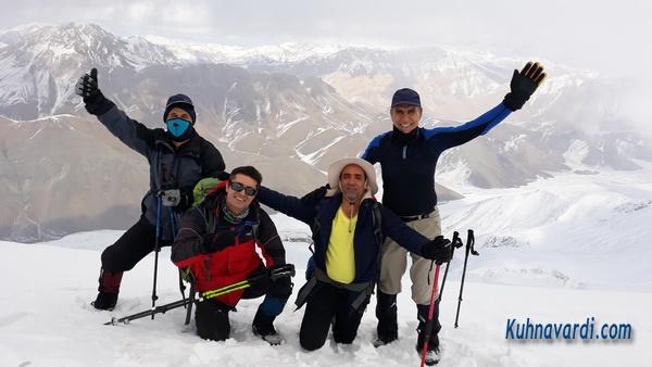 قله ریزان - گروه نشاط زندگی