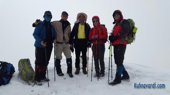 قله ریزان - گروه نشاط زندگی - عکس یادگاری با خانم پروانه کاظمی
