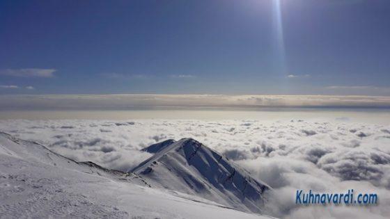 تهران در زیر اقیانوس ابر - نوک قله پلنگ چال