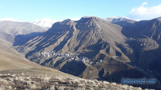 نمایی از روستای کشار از روی یال