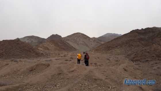 مسیر قله جلوئک از قیامدشت - ابتدای دره