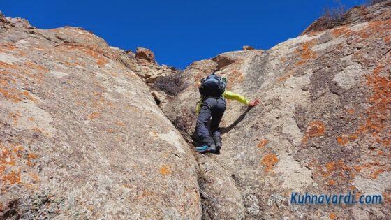 قله بارو از کشار (چشمه شاهی) - دست به سنگ اول