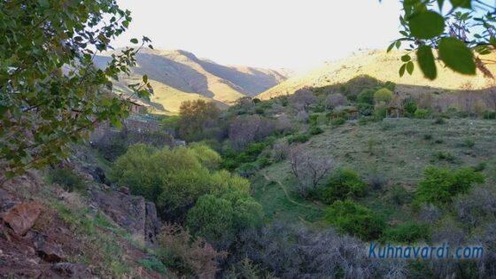 طبیعت زیبای اطراف امامزاده موسی شلمزار