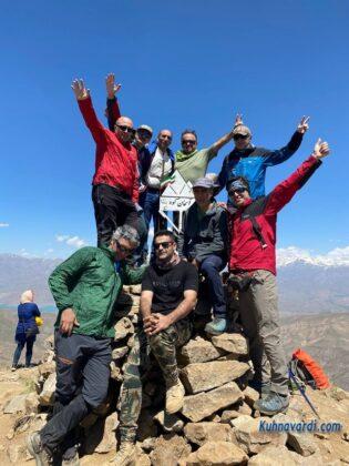 گروه نشاط زندگی - قله آسمان کوه ساوجبلاغ