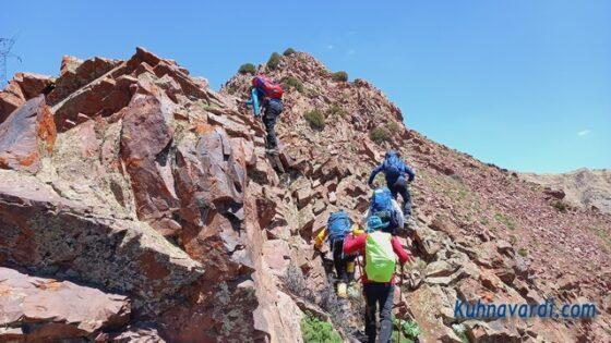 مسیر سنگی و صخره ای در مسیر صعود