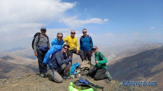 قله مهرچال. گروه نشاط زندگی
