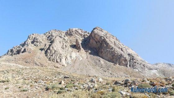 رخ جنوبی قله شیورکش (تصویر از روی گردنه، زیر شیورکش)