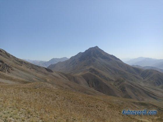 قله کافره (تصویر از روی گردنه شیورکش)